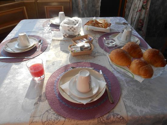 Villa Albori: breakfast