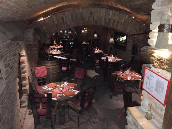 Etno House Dinar: Das Ist Der Keller Des Hauses