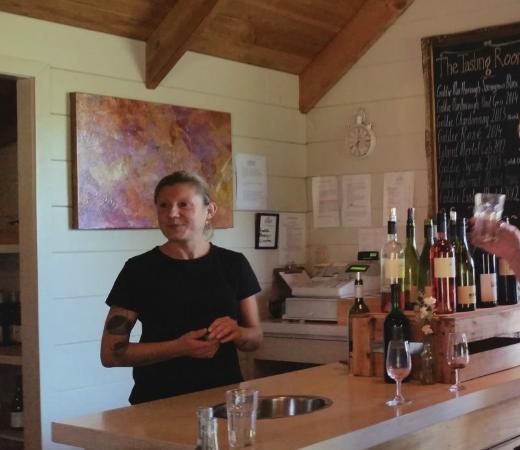 Isla Waiheke, Nueva Zelanda: wine tasting counter