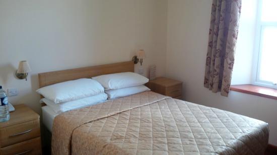 The Sandringham Hotel: Bed