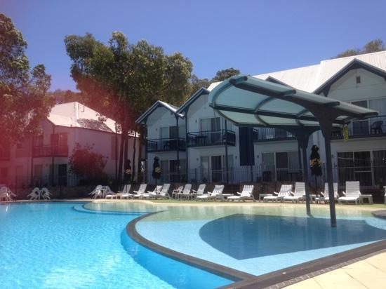 Mandurah Quay Resort : the busy pool!