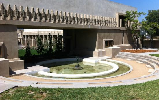 Hollyhock House: View toward the shallow pool