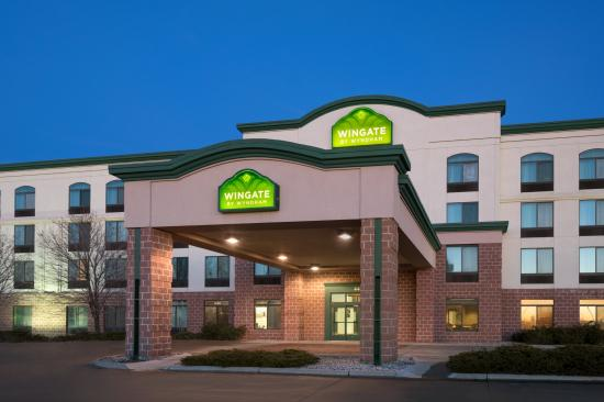 Wingate by wyndham fargo updated 2018 prices hotel for The wingate