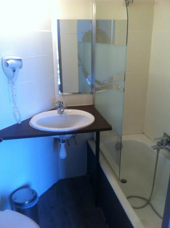 Hotel du baou : salle de bain