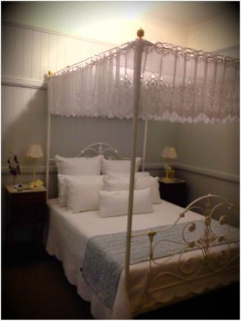 Number 12 : Victorian Room