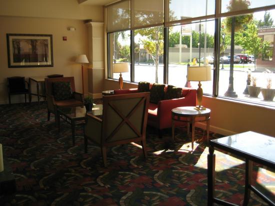Hilton Garden Inn Yakima: Lobby Seating Area Home Design Ideas