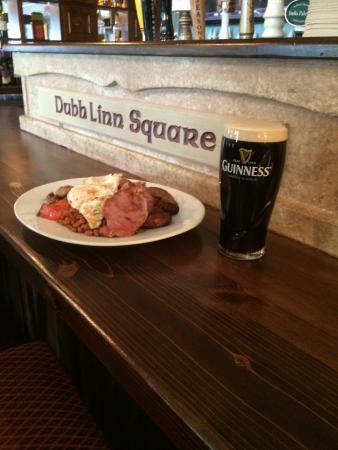 Dubh Linn Squire Irish Pub