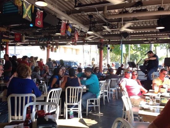 Johnnie Brown's: Live Musik on sunday