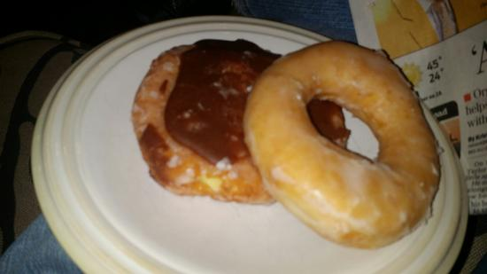 Richy Kreme DO Nuts: Donuts the old fashioned way.