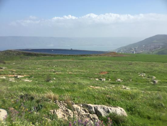 Arbel National Park : Looking west toward highest point in city of Tiberias--see tower