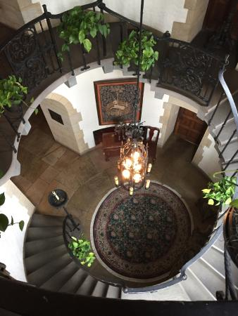 Graylyn Estate: The staircase is gorgeous