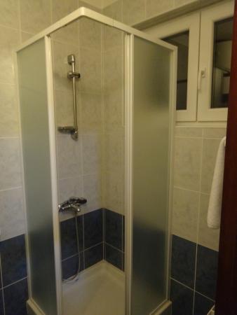 Shower cabin - Picture of Sobe & Apartmani Laura, Pazin - TripAdvisor