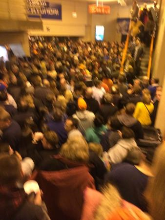 Syracuse, NY: Carrier Dome mass exodus after concert