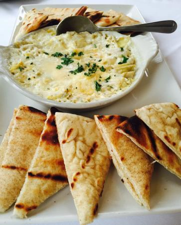 Old Mission Tavern: Artichoke dip appetizer with pita bread