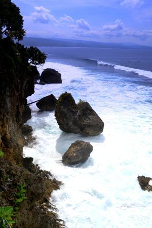 Banana Island: western side, next to Goa Liang