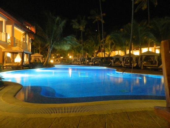 elegance club pool picture of majestic elegance punta. Black Bedroom Furniture Sets. Home Design Ideas