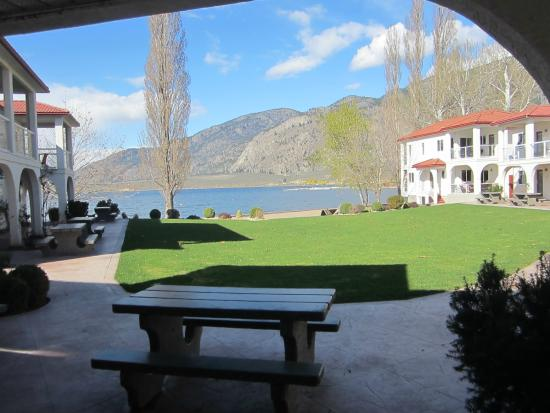 Sandy Beach Motel: View from our door