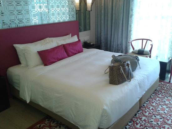 Village Hotel Katong by Far East Hospitality : Cama KingSize Excelente