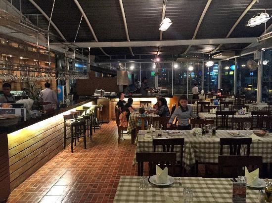 Basilico Pizzeria Soi 20: Restaurant's  interiors.