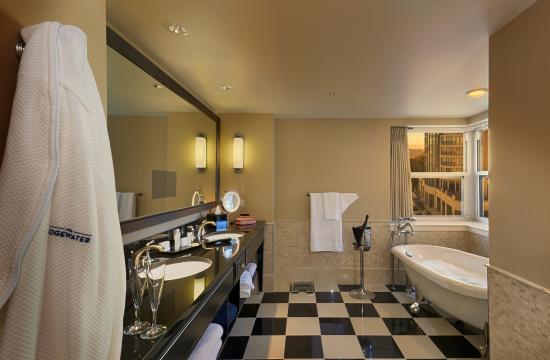 Edgewater Hotel Madison Wisconsin Rooms