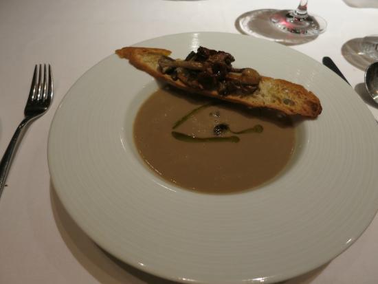 CinCin Ristorante + Bar: Mushroom soup