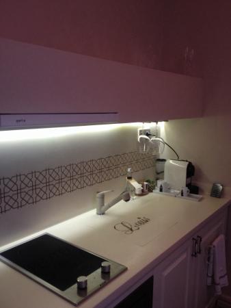 Louis Appartements Galata: Кухня