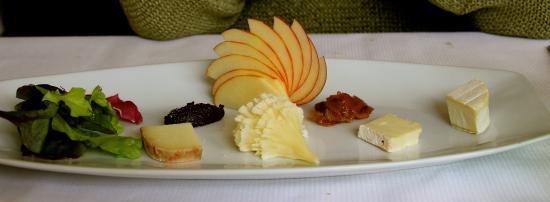 Les Agassins Restaurant: assiette de fromages