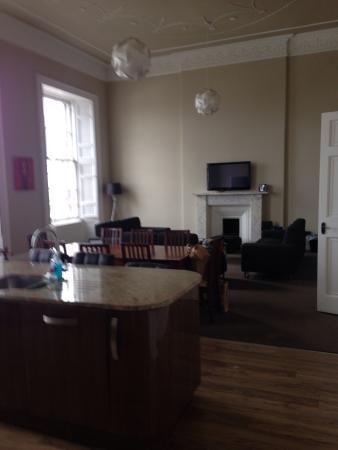 York Place Apartments by Destination Edinburgh: Living area apartment 2