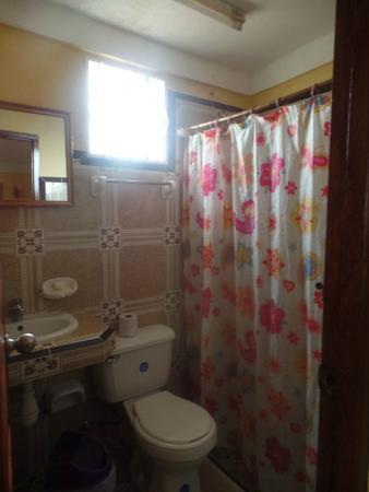 Villa Jorge y Ana Luisa: Baño habitación, todo impecable, muy limpio.
