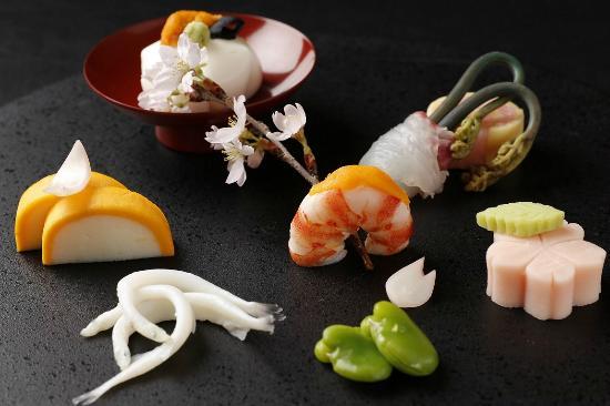 Japanese Cuisine Shimonoseki Shunpanro Tokyo: 春の前菜イメージ