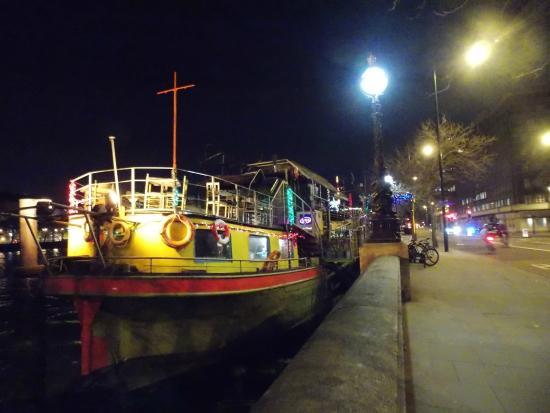 Tamesis Dock: view