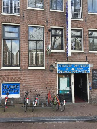 Hotel The Globe: Q localização do hotel realmente é boa , perto da réd street ligth ... Mas a recepção pra mim fo