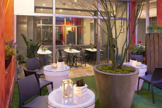 Photo of Hotel Beaumarchais Paris