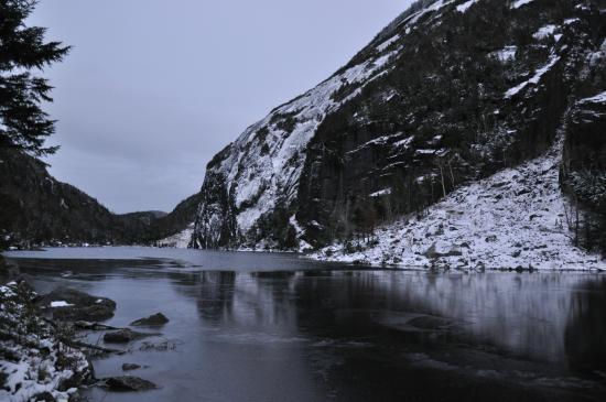 Avalanche Lake: il lago quasi ghiacciato