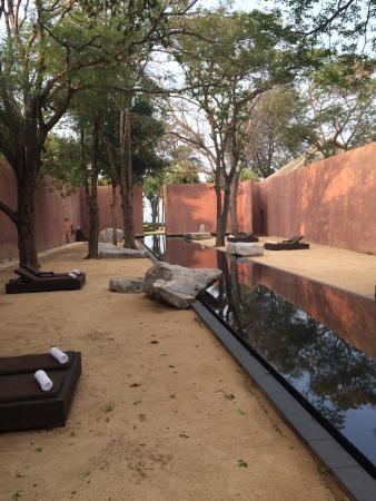 The Barai Suites : Barai Spa Pool