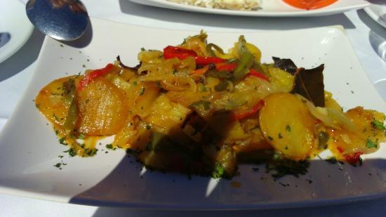 Bahia Beach: patatas a lo pobre (acompañamiento de la lubina)