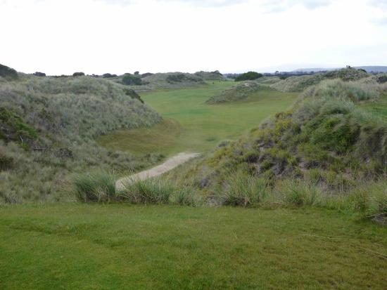 The 6th at Barnbougle Dunes.