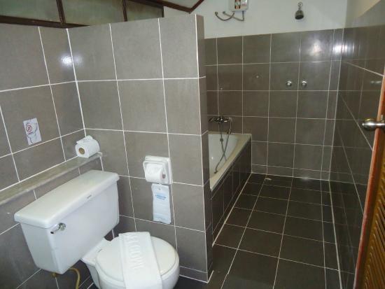 NovaSamui Resort Koh Samui: Suite Bath Room