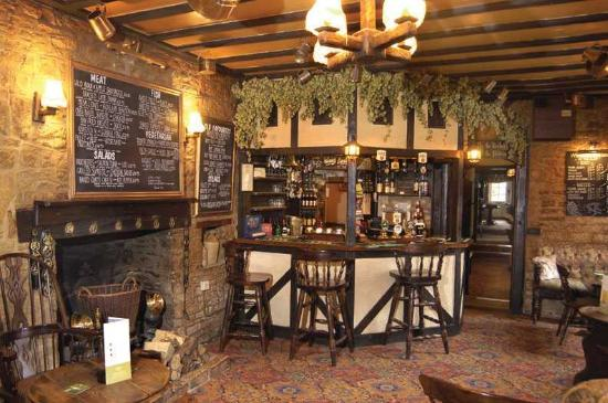 Kingscote, UK: Bar