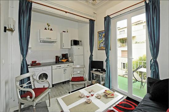Villa Rima : Ap1B En suite, living room with open plan kitchen full equiped