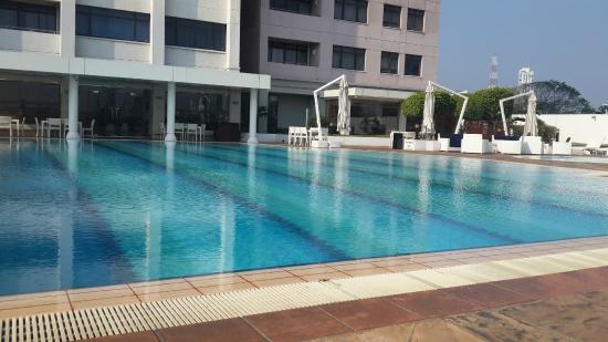 Hilton Colombo Residences: Pool Area