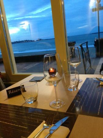 LE BROUILLARTA: Vue sur la baie
