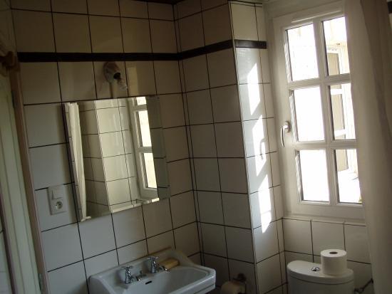 """La Maison Haute : salle de bains - suite familiale """"Tea Rose"""""""