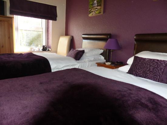 Cornlee Bed & Breakfast: Room with adjacent bathroom