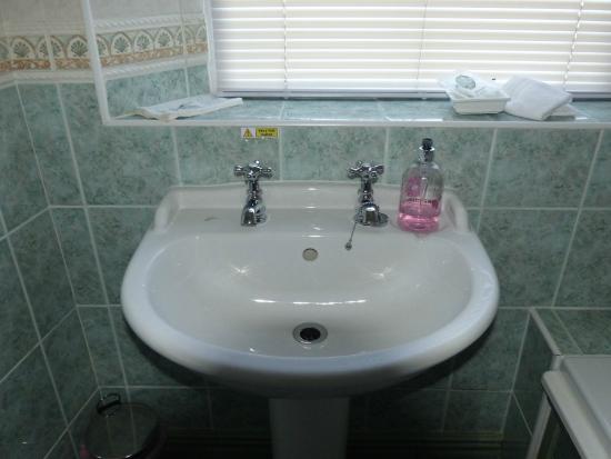 Cornlee Bed & Breakfast: Bathroom