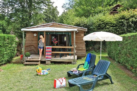 Camping Les Castels Le Moulin du Roch: Bungalow Bois COMMARQUE - 2 Chambres #moulinduroch