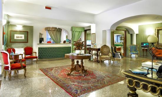 Colonna Palace Hotel Mediterraneo: Reception
