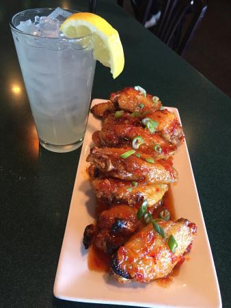 Tanglewood Restaurant & Lounge: Sweet Chili wings