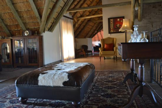 Drakensberg Region, Sudáfrica: Cosy corners and sweeping views, lovely decor and surprises around every corner At Inkungu Lodge
