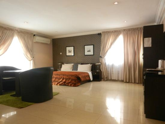 Berkshire hotel maitama prices specialty hotel reviews for Specialty hotels